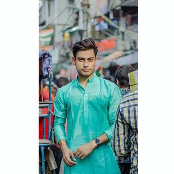 Celebrity Rahul Munjal - Tring India