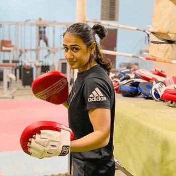 Celebrity Siwi Boora - Tring India