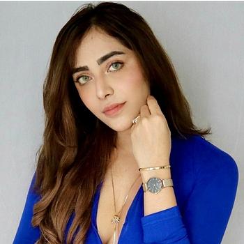 Celebrity Angela Krislinzki - Tring India