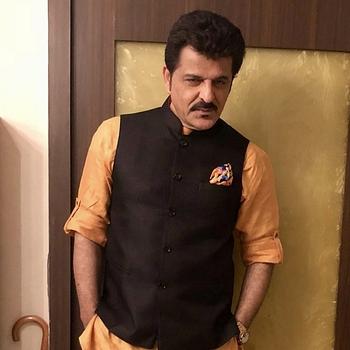 Celebrity Rajesh Khattar - Tring India