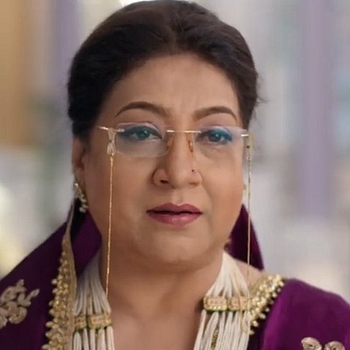 Celebrity Swati Chitnis - Tring India