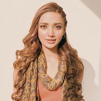 Celebrity Jiya Shankar - Tring India