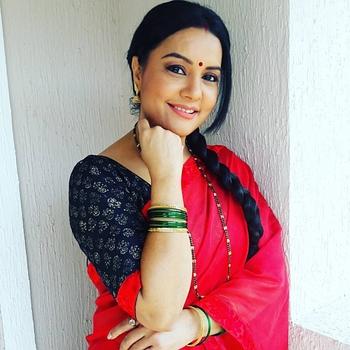 Celebrity Sucheta Khanna - Tring India