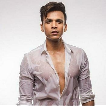 Celebrity Abhijeet Sawant - Tring India