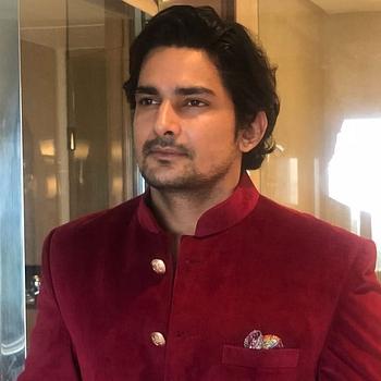 Celebrity Arjun Fauzdar - Tring India