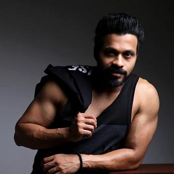 Celebrity Zabeer Ali Zafar - Tring India