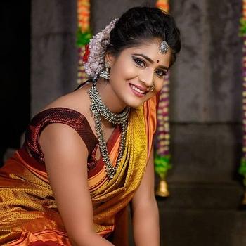 Celebrity Kiran Dhane - Tring India