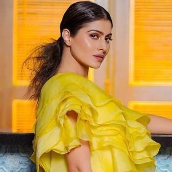Celebrity Aparna Dixit - Tring India