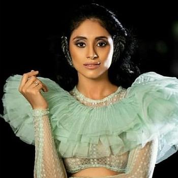 Celebrity Pavleen Gujral - Tring India