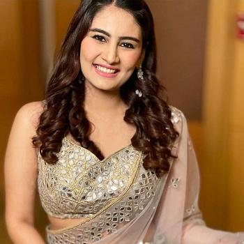 Celebrity Vedika Bhandari - Tring India