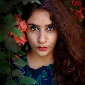 Celebrity Surbhie Rana - Tring India