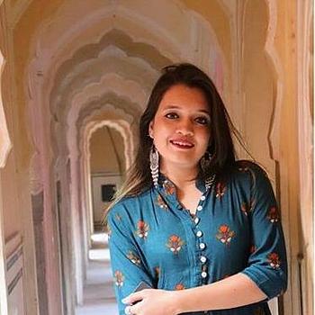 Celebrity Diksha Dubey - Tring India
