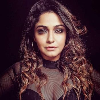 Celebrity Sayantani Guhathakurta - Tring India