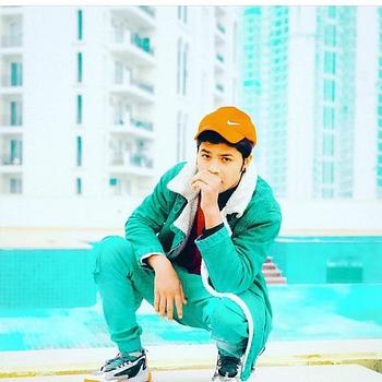 Celebrity Sujeet Sharma - Tring India