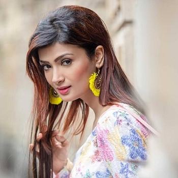 Celebrity Ishita Vyas - Tring India