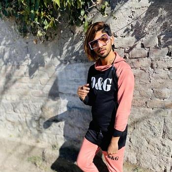 Celebrity Micky - Tring India