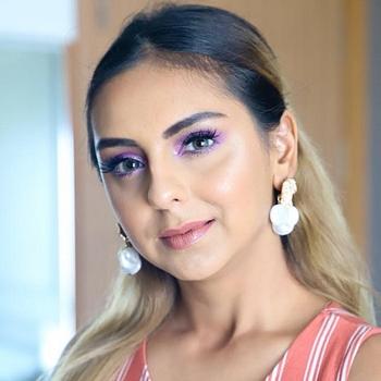 Celebrity Aanam Chashmawala - Tring India