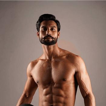 Celebrity Sanam Barair - Tring India