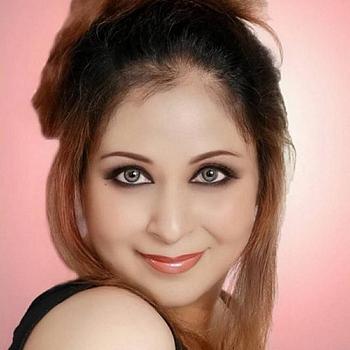 Celebrity Sajni Srivastava - Tring India