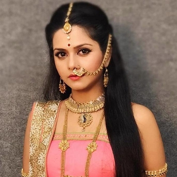 Celebrity Dalljiet Kaur - Tring India