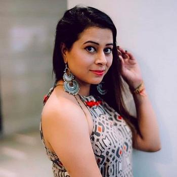 Celebrity Nimisha Arora - Tring India
