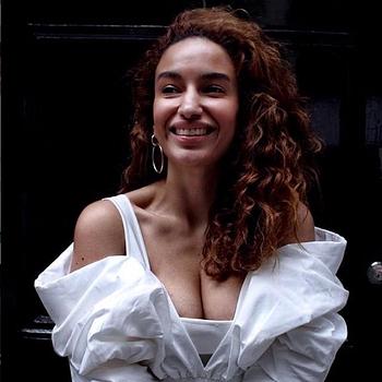 Celebrity Elena Fernandes - Tring India
