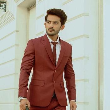 Celebrity Apoorv Vij - Tring India