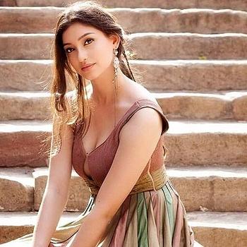 Celebrity Tanvi Vyas - Tring India