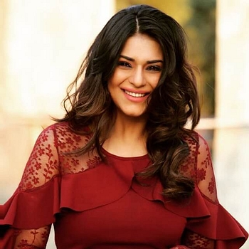 Celebrity Poonam Preet - Tring India