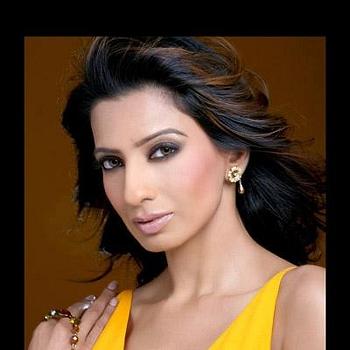 Celebrity Hansa Singh - Tring India