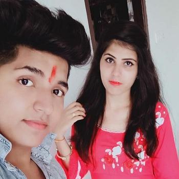 Celebrity Akki and Riya - Tring India