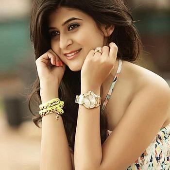 Celebrity Mili Jhaveri - Tring India