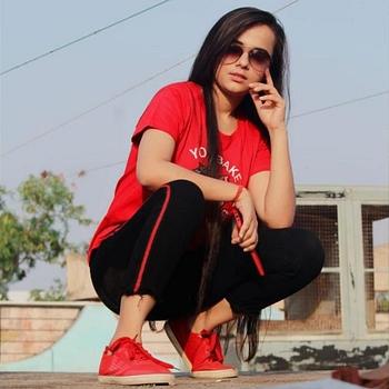 Celebrity Muskan Panjwani - Tring India