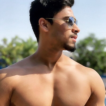 Celebrity Akshat Mathur - Tring India