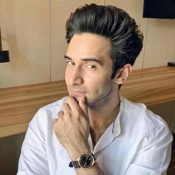 Celebrity Rohan Mehra - Tring India