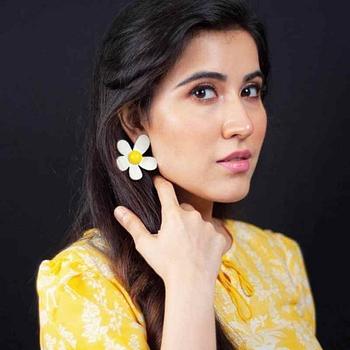 Celebrity Sheena Bajaj - Tring India