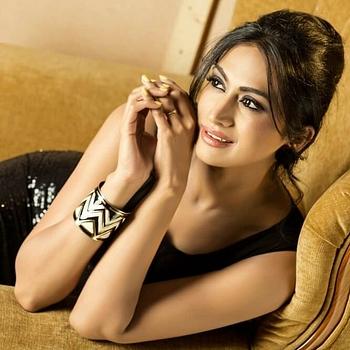 Celebrity Shwetha Srivatsav - Tring India