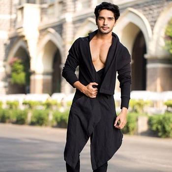 Celebrity Harsh Rajput - Tring India