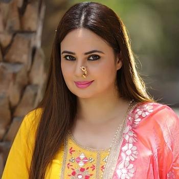 Celebrity Shalini Kapoor - Tring India