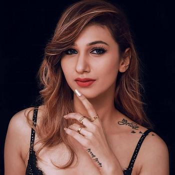 Celebrity Jasleen Matharu - Tring India