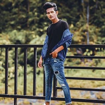 Celebrity Aarav Shaikh - Tring India