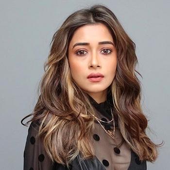 Celebrity Tinaa Dattaa - Tring India
