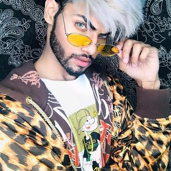 Celebrity Ziyan Ansari - Tring India