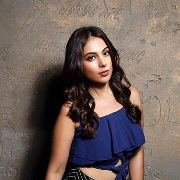 Celebrity Saba Saudagar - Tring India