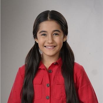 Celebrity Aakriti Sharma - Tring India