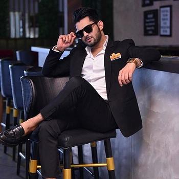 Celebrity Tehraan Bakshi - Tring India