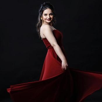 Celebrity Gia Manek - Tring India