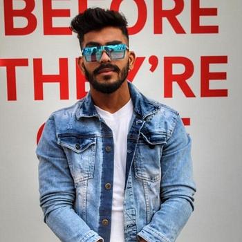 Celebrity Aakib Khan - Tring India