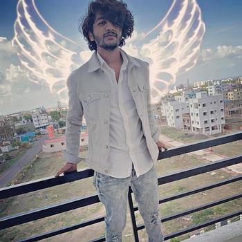 Celebrity Rohanil Lohiya - Tring India