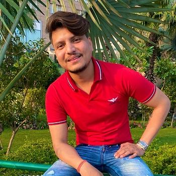 Celebrity Vivek Verma - Tring India